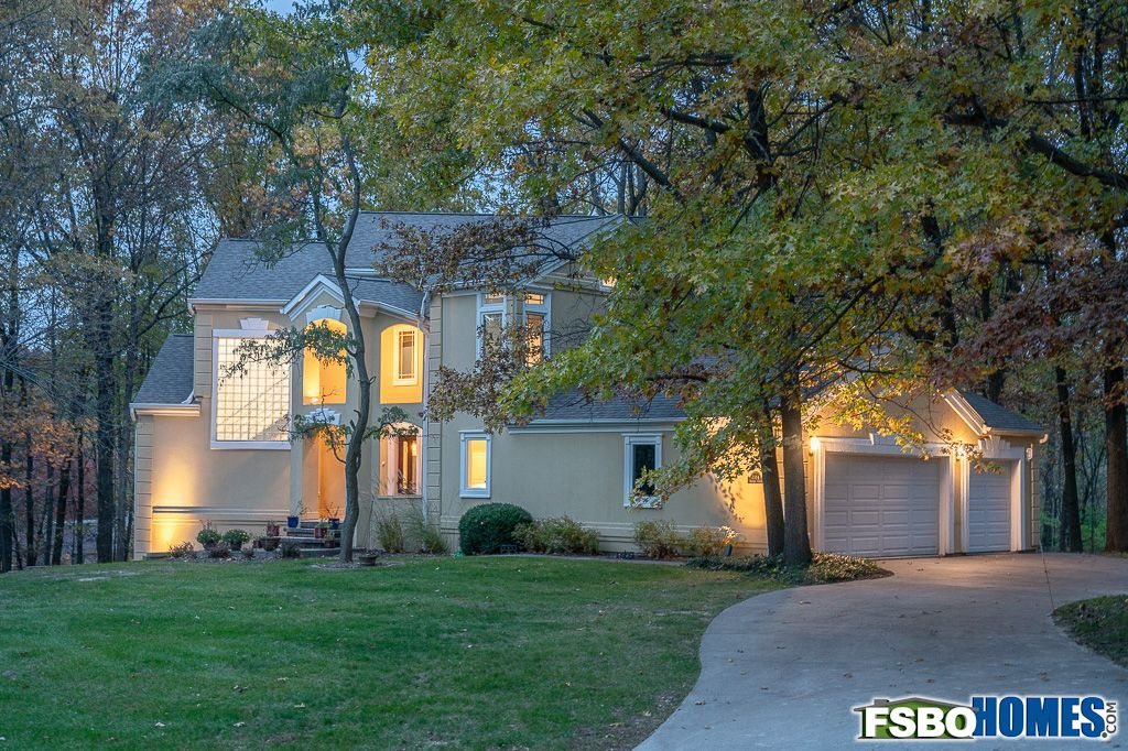2114 Banbury Circle, Iowa City, IA, Image 32