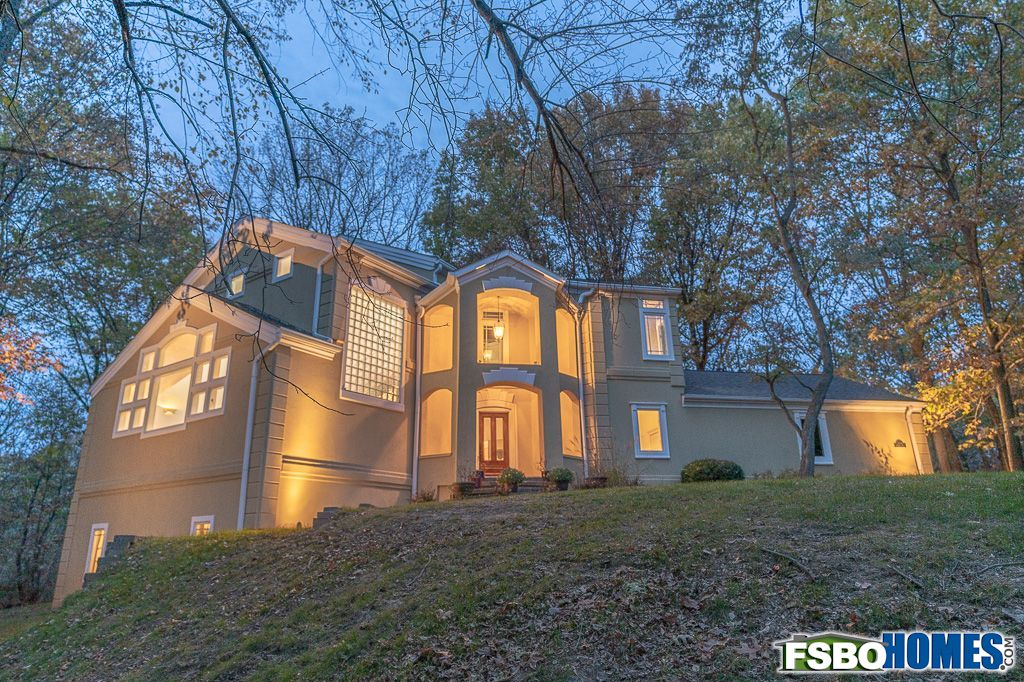 2114 Banbury Circle, Iowa City, IA, Image 33