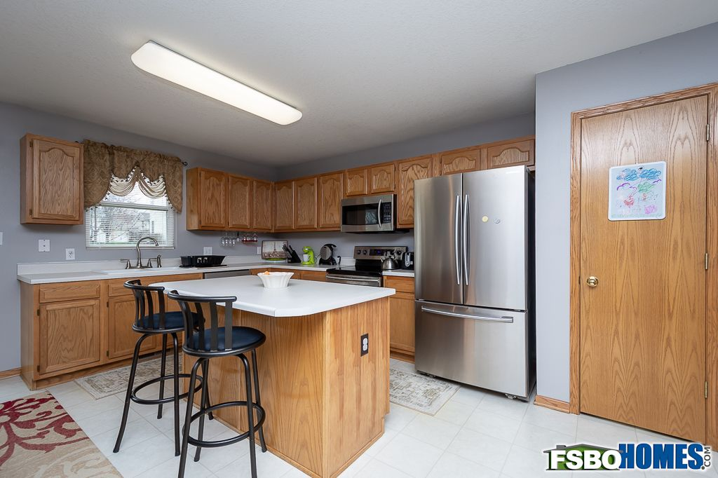 12315 Airline Ave, Urbandale, IA, Image 4