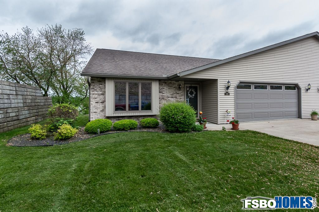 122 5th St, Fulton, IL, Image 0