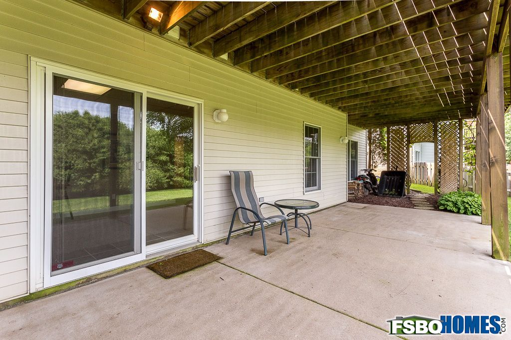 2650 Heather Glen Ave, Bettendorf, IA, Image 38