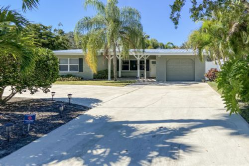 312 Bay Vista Ave, Osprey, FL